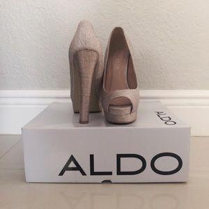 Aldo shimmer natural tweed heel